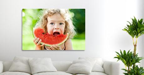 Woonruimte kind met meloen op canvas in de aanbieding